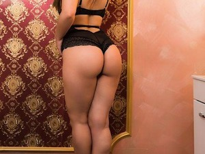 BEAUTIFUL OUTCALL GIRLS AVAILABLE TONIGHT in Barry