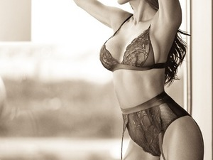 SEXY OUTCALL ESCORTS TO YOU... in Bristol