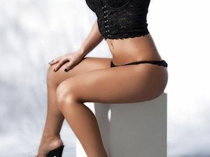 CURVY SHAVEN BLONDE, OUTCALL ESCORT in Tipton