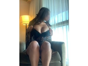HOTTEST ESCORTS TO YOUR DOOR  45MINS 24/7 in Slough