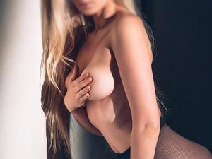MIKEALA IS OUR BEST KISSING ESCORT! GIVING THE BEST GIRLFRIEND EXPERIENCE in London