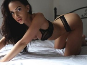ARABIC BEAUTY FOR OUTCALLS  in Hayling Island