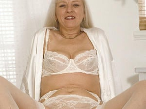Granny Loves to Suck 09830 222 255  in London