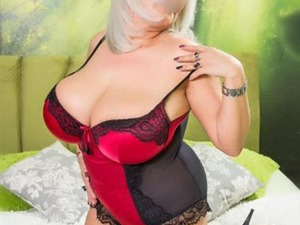 HONEY POT ESCORTS - ALL SERVICES in Chelmsford