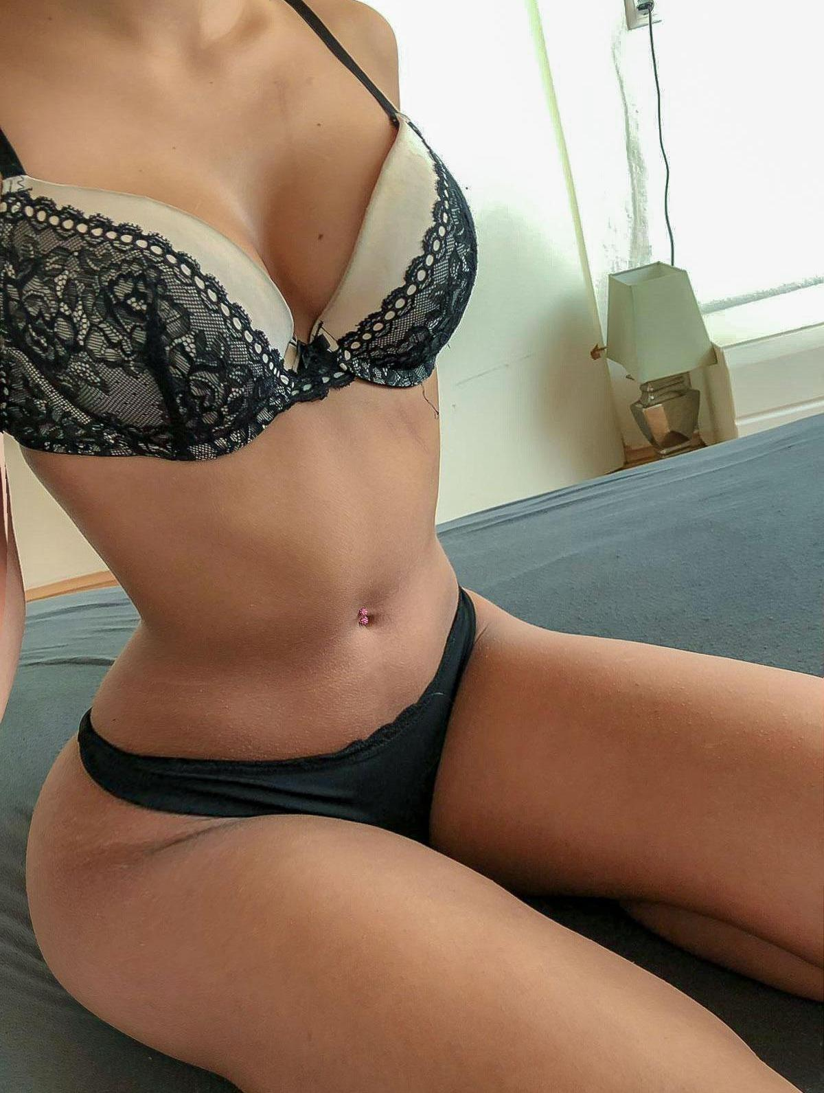 HOT HORNY ESCORTS AVAILABLE ALL NIGHT LONG - Colchester