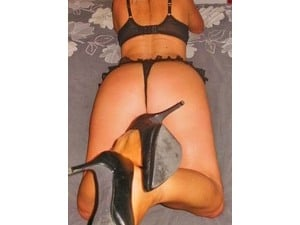 Mature Tall leggy Lisa escort to visit you outcalls Tonight  xx in Dartford