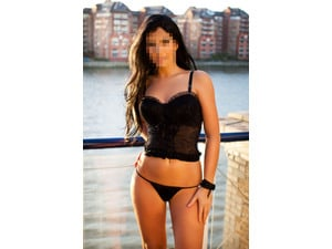 ALINA OUTCALL AVAILABLE NOW! in Eastbourne