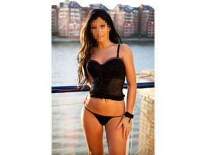 GREEK BEAUTY CLEO AVAILABLE NOW FOR OUTCALLS! in Gravesend