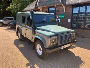 Land Rover Defender 110 2013 in Lewes